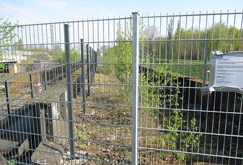Noch nicht begehbare Brücke im Park am Gleisdreieck