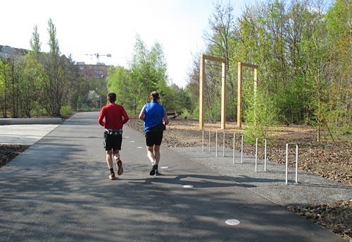 Läufer im neu freigegebenen Teil des Parks