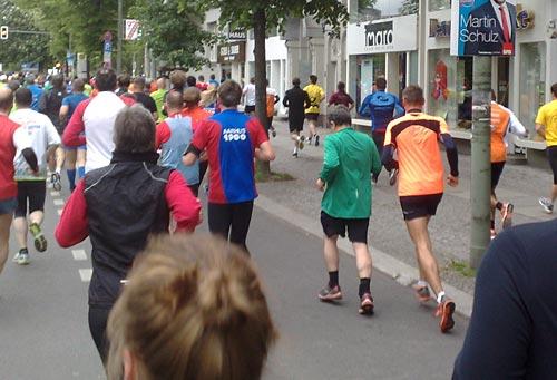 Läufer überholt