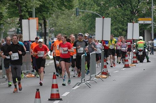 Läuferinnen des Big25 auf Höhe der Urania