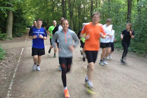 Lauftraining im Berliner Tiergarten mit Viktor Röthlin