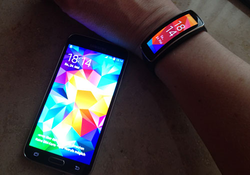 Samsung Galaxy S5 und Samsung Gear Fit