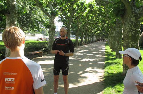 Nils Schumann erklärt Übungen des Lauf-ABC