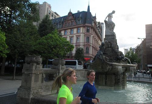 Läuferinnen in Frankfurt