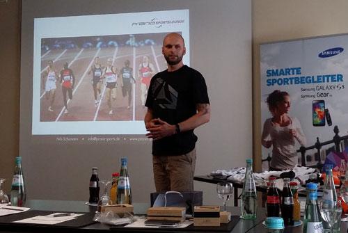 Olympiasieger Nils Schumann bei seinem Impulsvortrag