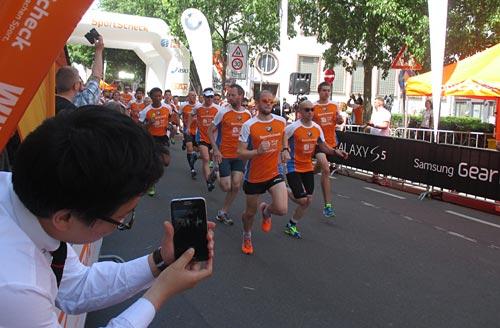 Start der 5-km-Läufer beim Frankfurter Stadtlauf