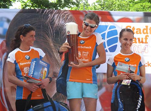 Siegerehrung 10-km-Lauf der Damen