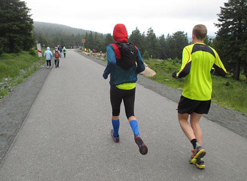 Läufer auf dem Weg zurück nach unten
