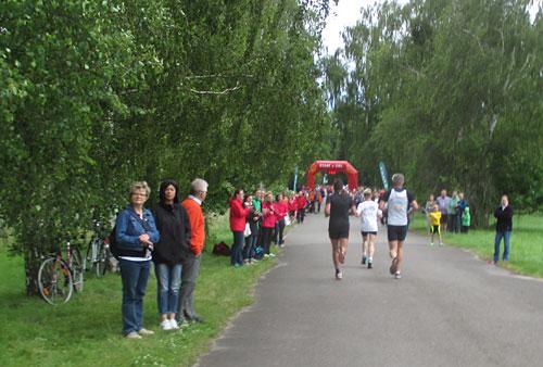 Zieleinlauf beim Tollensesee-Halbmarathon