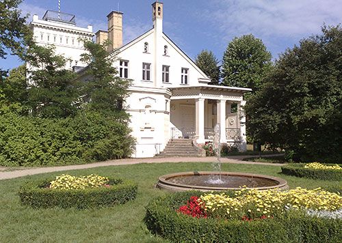 Springbrunnen am Gutshaus Marienfelde