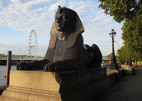 Sphinx bei Cleopatra's Needle