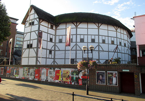 Shakespeare's Globe am Themse-Ufer