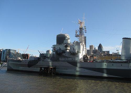 HMS Belfast am Ufer der Themse