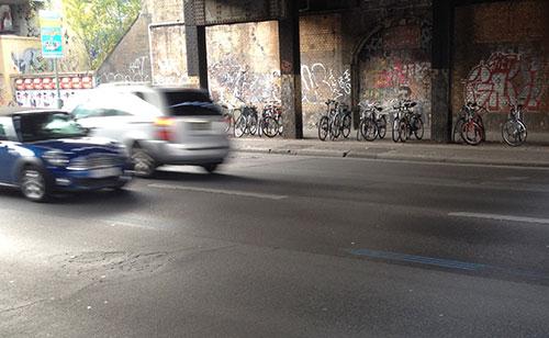 Blaue Streifen des Berlin-Marathon 2014 an der Yorckstraße