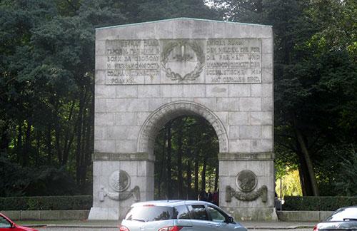Treptower Park – Eingang zum sowjetischen Ehrenmal