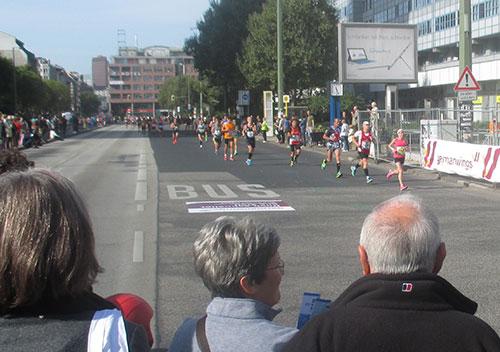 Berlin-Marathon-Läufer bei Kilometer 40