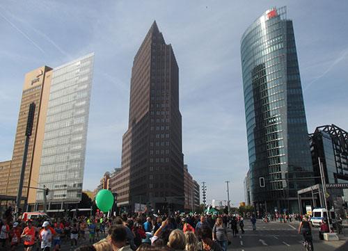 Potsdamer Platz beim Berlin-Marathon 2014