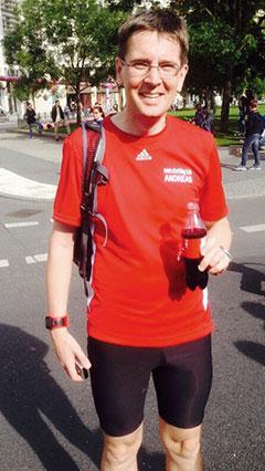 Startblog-f-Läufer nach dem langen Lauf zum Berlin-Marathon 2014