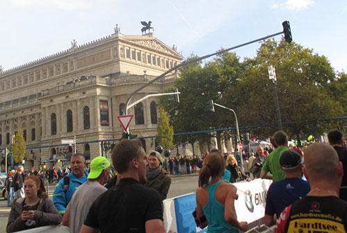 Alte Oper beim Frankfurt-Marathon 2014