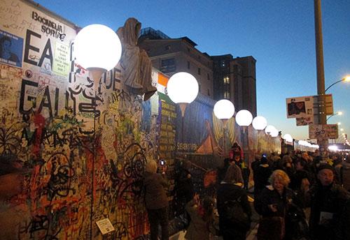 Lichtgrenze an der East Side Gallery