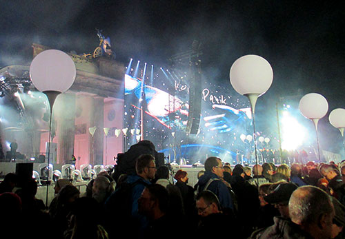 25 Jahre Mauerfall – Bühnenaufbau am Brandenburger Tor