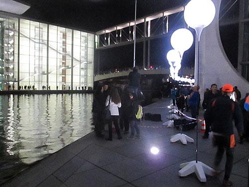 Ballons an der Spree beim Marie-Elisabeth-Lüders-Haus