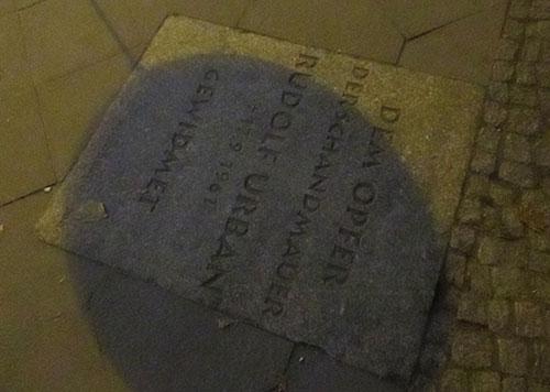 Gedenkstein an das Maueropfer Rudol Urban an der Bernauer Straße