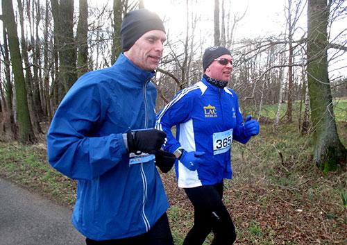Läufer beim Frostwiesenlauf im Spreewald