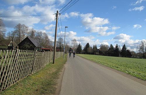 Auf den letzten Kilometern des Frostwiesenlaufs im Spreewald