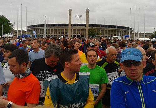 Starterfeld am Olympiastadion Berlin