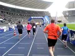 Zieleinlauf beim Big25 Berlin 2015