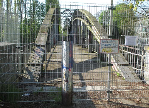 Lankwitz-Mariendorfer Fußgängerbrücke