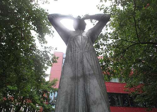 Statue Der Rufer in Bremen