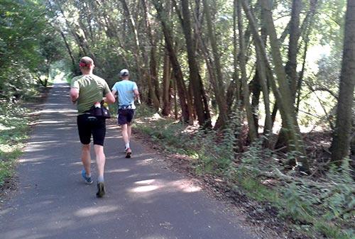 Laufen am Südufer des Teltowkanals
