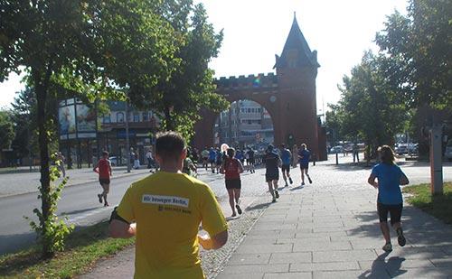 Halbmarathon-Läufer am Borsigturm