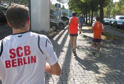 Läufer auf der Berliner Straße
