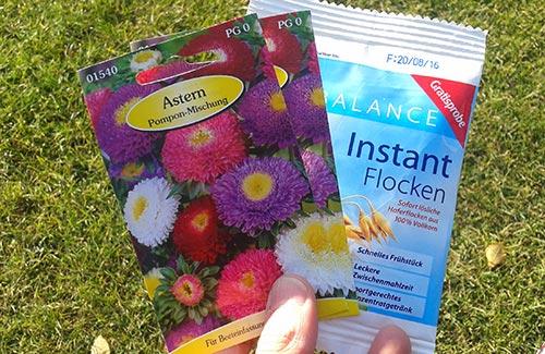 Blumensamen-Tüten und Instant-Flocken