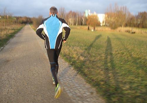 Schneller Läufer im Park