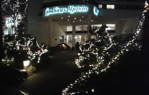 Weihnachtsbeleuchtung Landhaus Alpinia