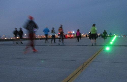 Läufer in der Abenddämmerung