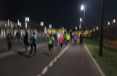 Kurz vor dem Ziel des Airport Night Run Berlin