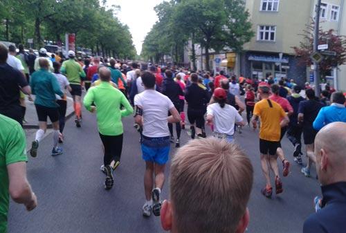 die ersten schnellen Lauf-Kilometer auf der Reichsstraße