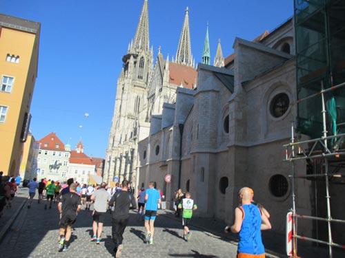 Läuferfeld am Regensburger Dom