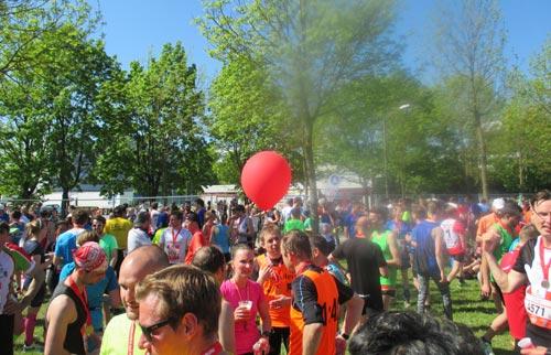 Im Zielbereich des Regensburg-Marathons 2016