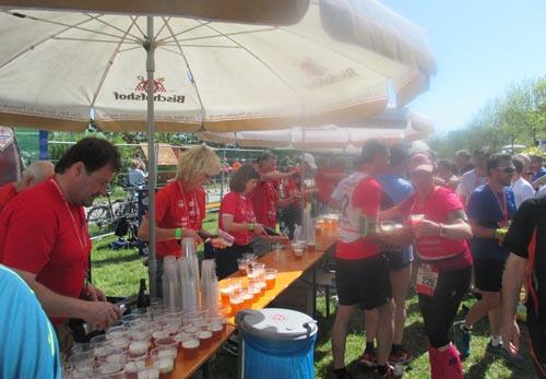 Verpflegung für die Teilnehmer des Regensburg-Marathons / Halbmarathons