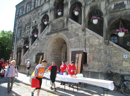 Startnummernausgabe im Rathaus Laucha
