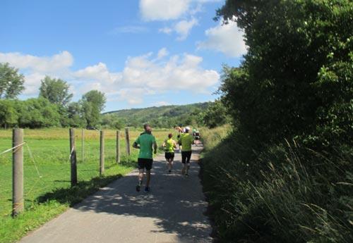Läufer des Himmelswegelauf-Halbmarathons
