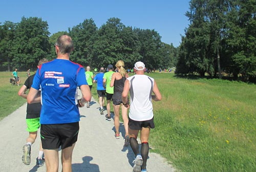 Halbmarathon-Läufer im Neuen Garten Potsdam