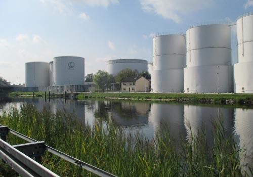 Industrieanlagen am Teltowkanal