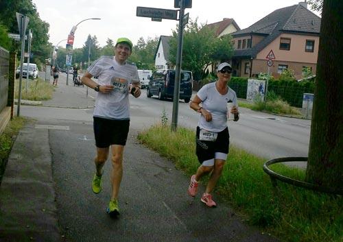 Staffel-läufer des Mauerweglaufs 2016
